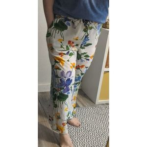 VNT Jams World white and floral pant